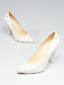 Chanel White Cracked Leather Cap Toe Pumps Size 8.5/39