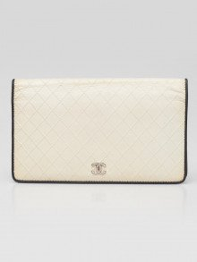 Chanel White/Black Quilted Leather L Yen Wallet